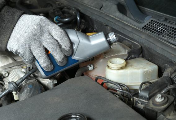 Как слить тормозную жидкость из системы