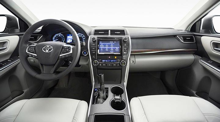 Что же находится внутри Тойота Камри?