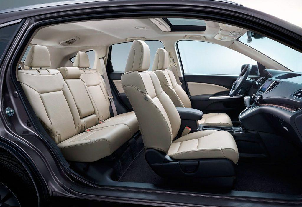 Тест-драйв Honda CR-V. Салон автомобиля