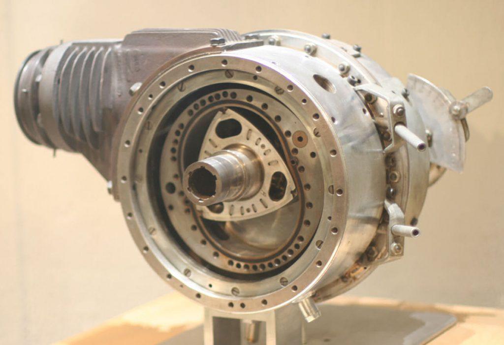 Плюсы роторного двигателя