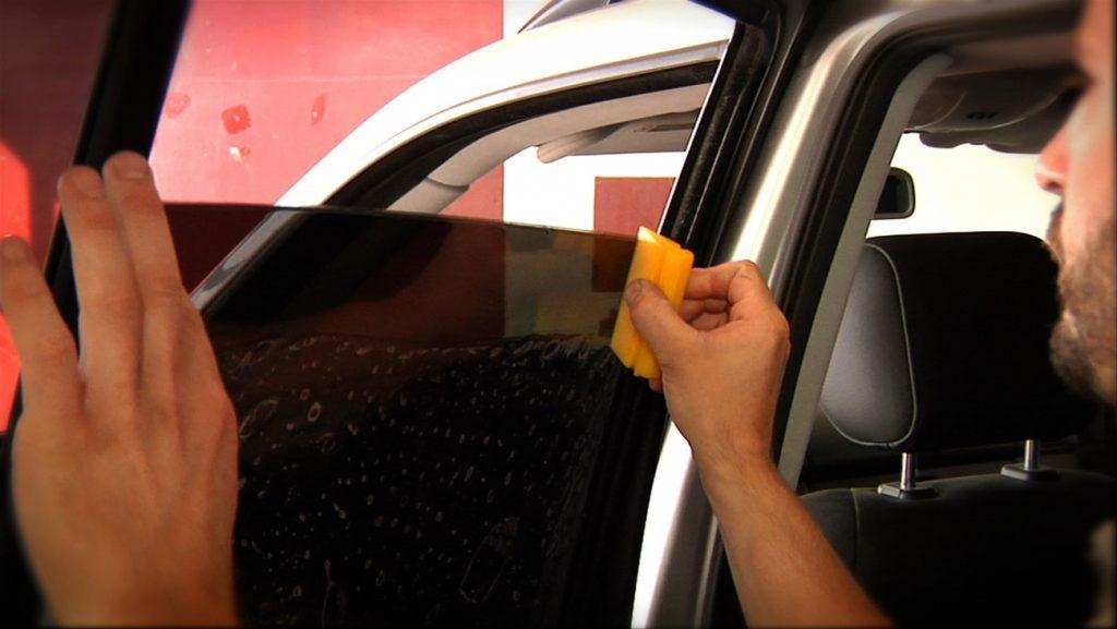 Тонировка стёкол автомобиля своими руками