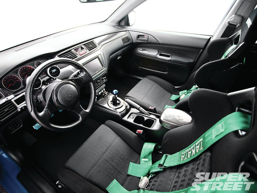 Модернизация салона Mitsubishi Lancer 9